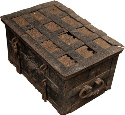 Picture Of Pirate Treasure Chest