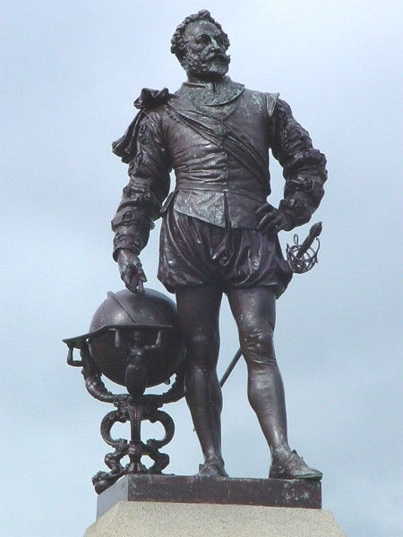 Picture Of Sir Francis Drake Statue